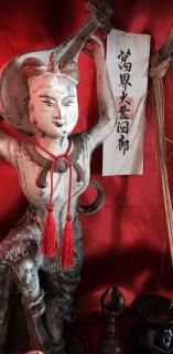 沖縄サロンの技芸天